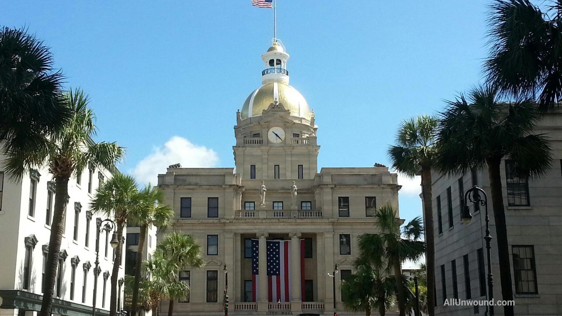 AllUnwound.com Savannah, GA city hall flying US flags